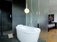 Ванная в спальне: необычное современное решение — 120 фото