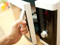 Микроволновка на кухне — куда ее поставить? Обзор практичных идей по дизайну +80 фото
