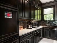 Кухня черного цвета — варианты стильного комбинирования глянцевого и матового дизайна черной кухни (85 фото)