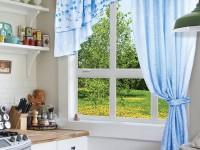 Современный дизайн ассиметричных штор в интерьере кухни (80+ фото)