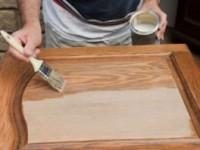 Как правильно покрасить мебель из дерева?