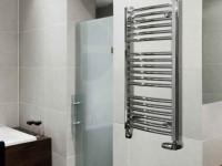 Как правильно повесить полотенцесушитель в ванной
