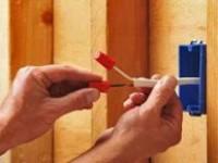 Ввод электропроводки в деревянный дом