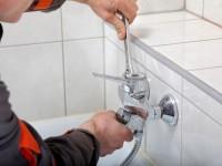 Как правильно установить кран в ванной?