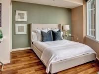 Можно ли ставить кровать напротив двери?