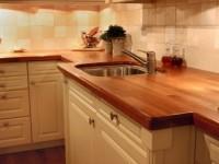 Как правильно установить столешницу на кухне?
