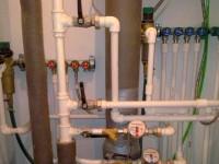 Как поменять трубу под ванной?