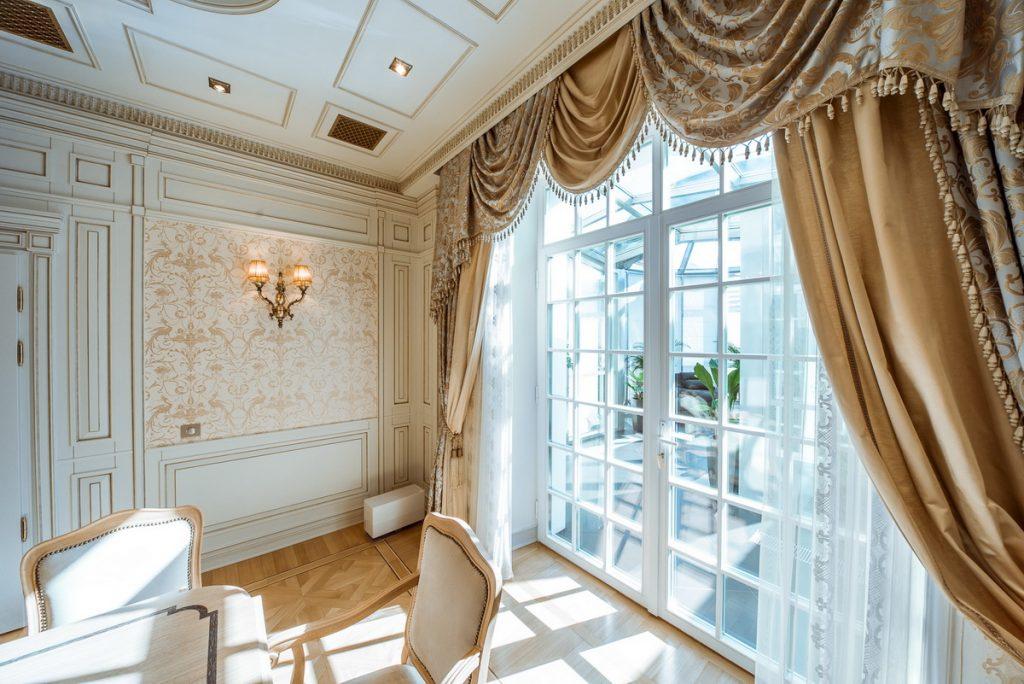 Потолочные карнизы для гостиной дизайн