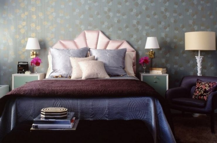 Декор стены в спальной комнате 10