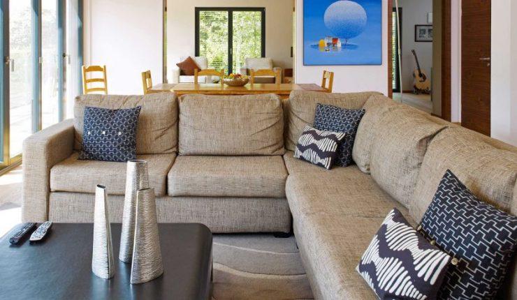 гостиная в стиле шале смелое решение в интерьере гостиной 70 фото