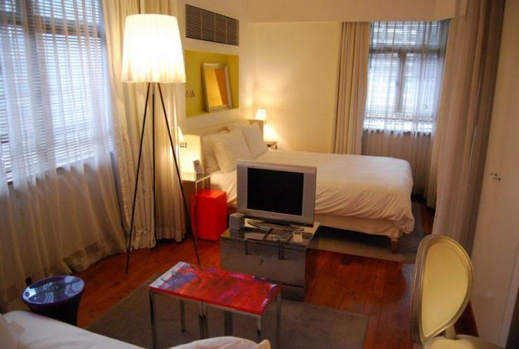 Спальня в однокомнатной квартире 60