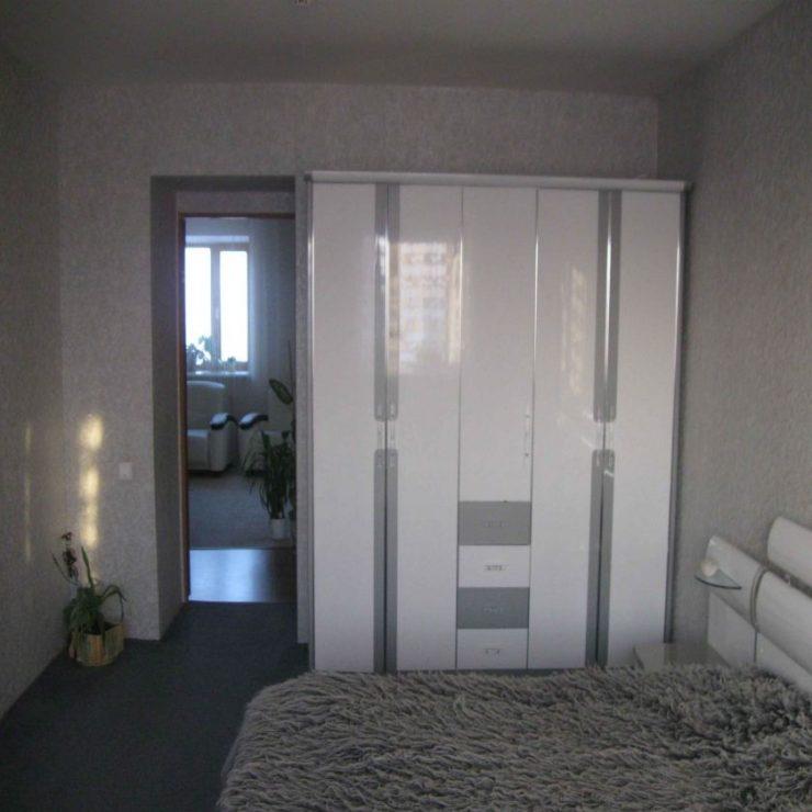 спальня в серых тонах фото