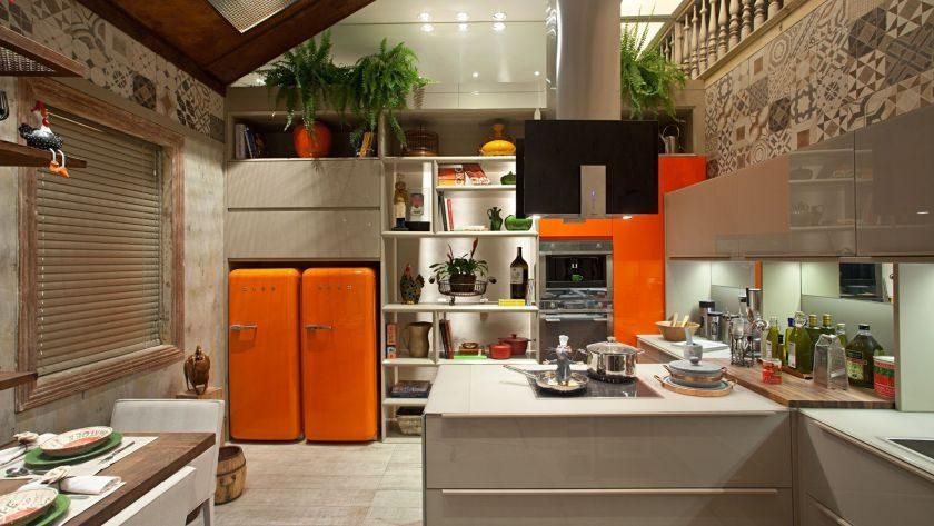 Холодильник в цвет кухни дизайн