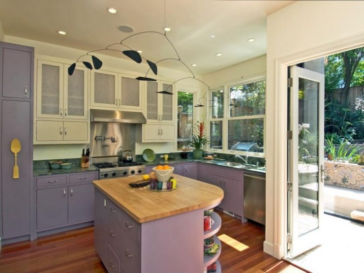 Кухня сиреневого цвета