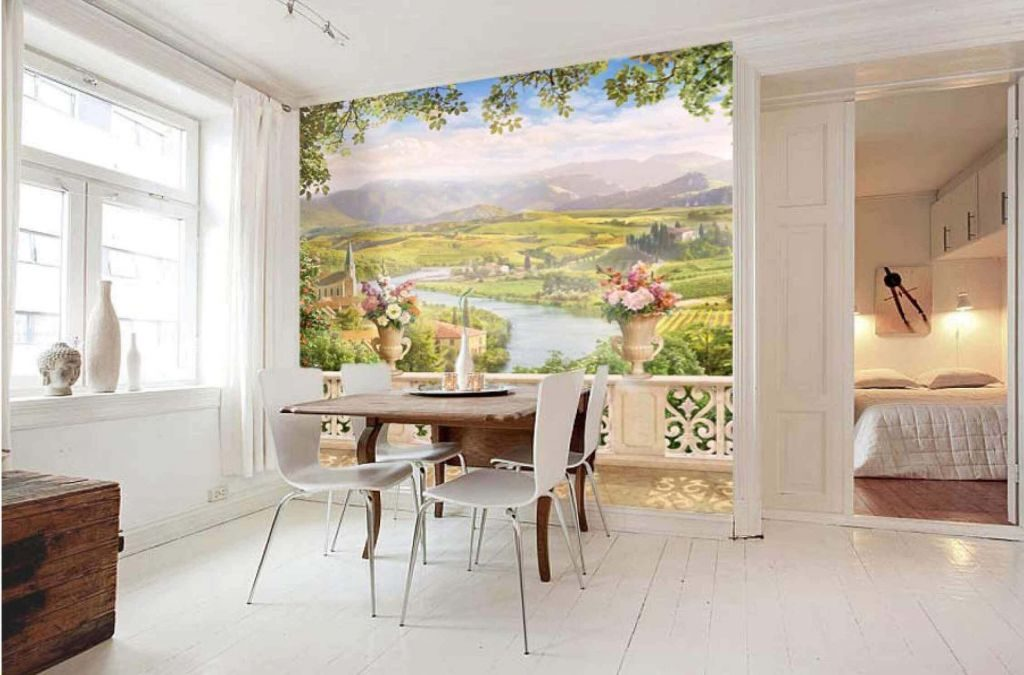 Изначально фреской называлось нанесение узора по влажной штукатурке.