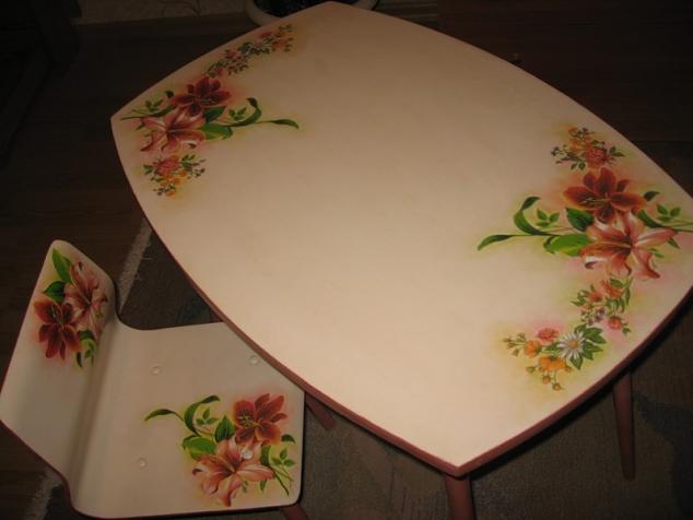 Как обновить старый стол своими руками декупаж фото