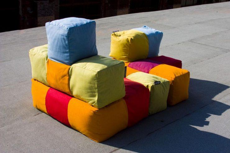 Пуфы на диван