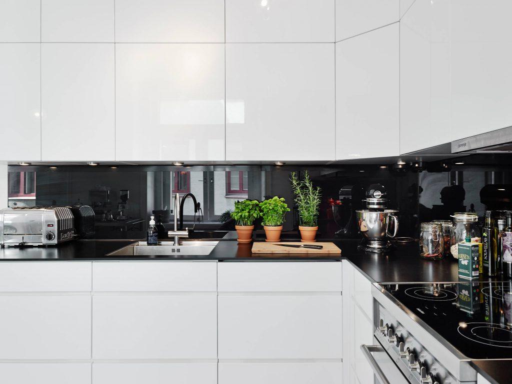 цвет кухни 2019