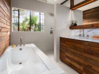 Ванная комната с окном: важные нюансы и тонкости дизайна (70+ фото)